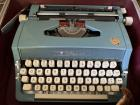 Vintage 1960's Wizard Tabulater Portable Typewriter with Case