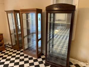(3) Display Cabinets - Needs Cleaning