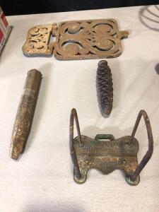 Miscellaneous Iron & Metal Pieces