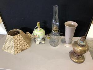 (3) Lamps, Shade & Vase
