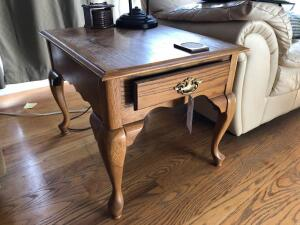 Oak Side Table (table only, matches Lots 3-5) - 27 inches L x 22 inches W x 21 inches H