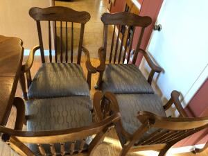 (4) Oak Dining Room Chairs on Casters