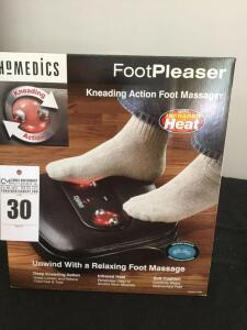 Homedics Foot Pleaser Kneading Action Foot Massager with infrared heat (still wrapped in plastic)