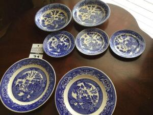 Antique Blue Willow pieces from Japan - 5 items & 2 plates my Royal (Blue Willow design)