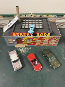 Street Rod Train Set Building w/ 3 Cars - Trains are in O Scale - 1:48