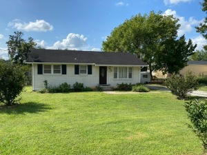 REAL ESTATE: 1510 Harrell St, La Vergne, TN