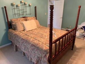 Poster Bed by Davis Cabinet Company (Cumberland Valley Collecion) - Queen - 66in to top of posts