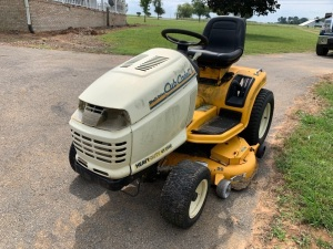 Cub Cadet Heavy-Duty GT 2550 Riding Lawnmower - NO KEY - Unable to Test - Buyer Bring Means to Load