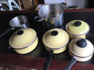 Variety of cook pots/pans ( Revere Ware, Club, Magaware, Town house)