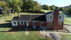REAL ESTATE: 2242 South Berrys Chapel Rd, Franklin, TN