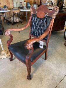 19TH CENTURY VICTORIAN TUFTED LEATHER GENTLEMENS CHAIR