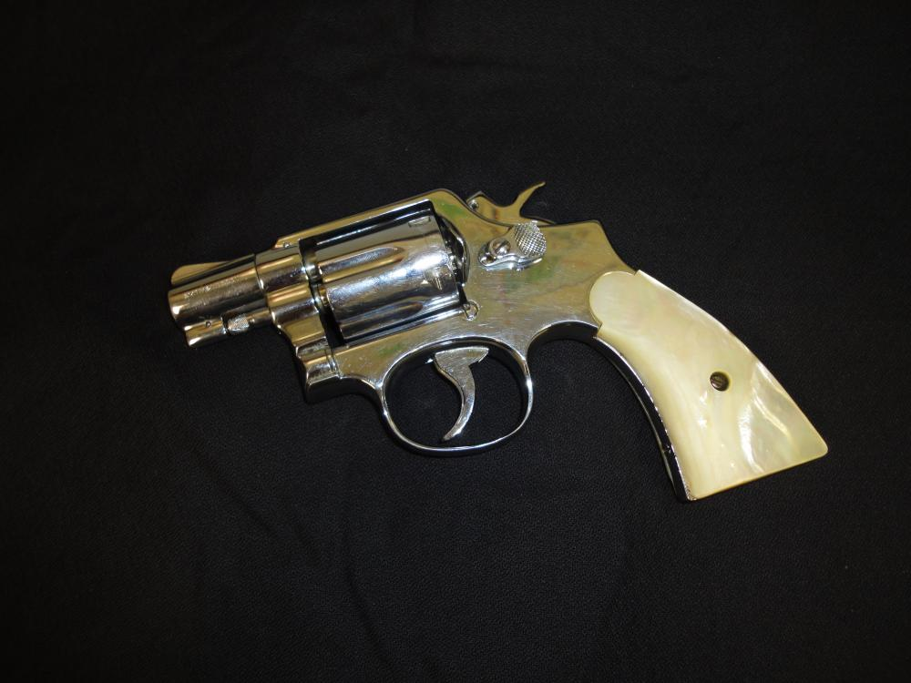 Smith & Wesson  38 Special Snub Nose 6 Shot Revolver, Mother
