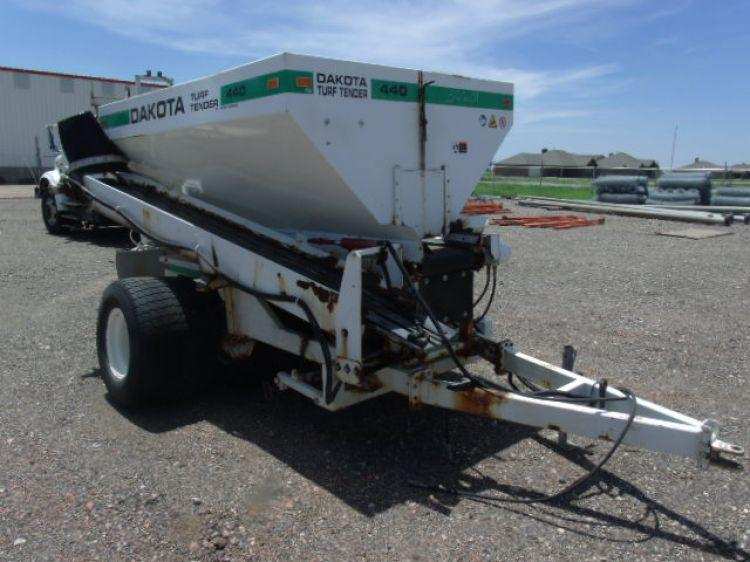 Dakota Turf Tender 440 Spreader - Current price: $75