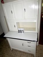 Hoosier styled vintage cabinet w/flour sifter and bread drawer