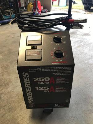 DSR Pro Series Battery Charger 6V and 12V Batteries